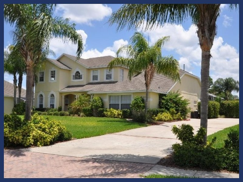 Luxury 8 Bed Home with Pool and Games Room - Image 1 - Four Corners - rentals