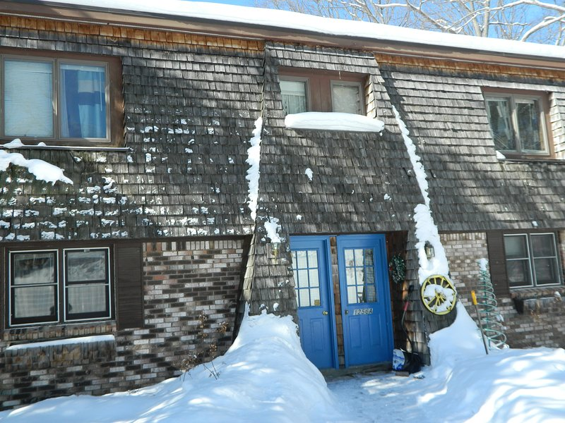 Rose's Cozy Mountainview during the beautiful Vermont Winter. - ROSE'S  COZY  MOUNTAINVIEW  duplex-B- - Rutland - rentals