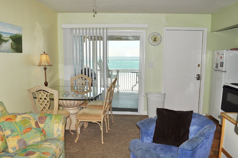 Living Room Sandollar Townhomes Unit 9a Miramar Beach House Rentals Destin Florida - Sandollar Townhomes, Unit 09A - Destin - rentals