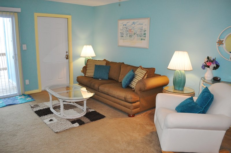 Living Room Sandollar Townhomes Unit 9C  Miramar Beach House Rentals Destin Florida - Sandollar Townhomes, Unit 09C - Destin - rentals