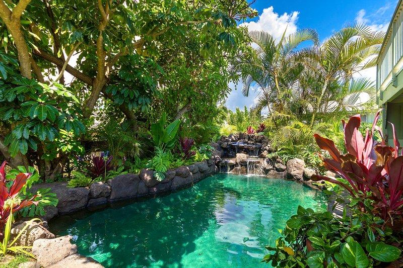 Heated Pool  - $557/NT 8/11-8/15~ Ocean View Beach House~ Sun Deck~AC~ Pool~Steps to the Beach! - Waimanalo - rentals