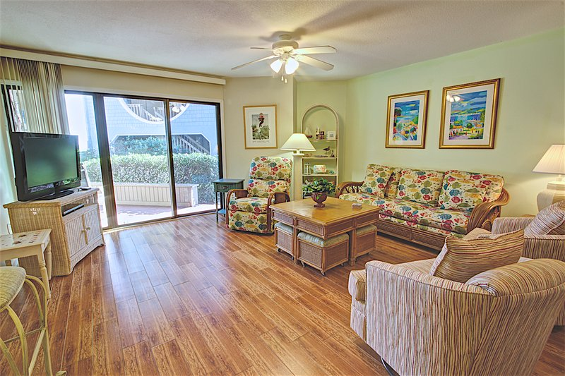 Living Room - Hibiscus Resort - C102, Oceanview, 2BR/2BTH, 3 Pools, Wifi - Saint Augustine - rentals