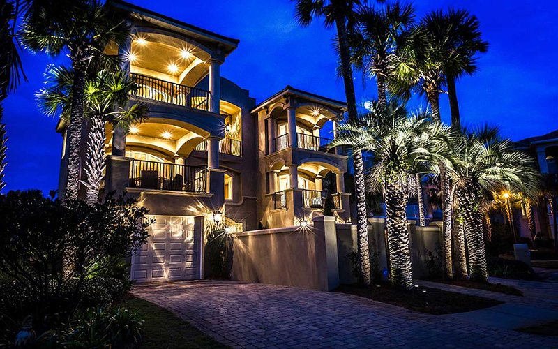 Beautiful night front view - Casa de Palms - Miramar Beach - rentals