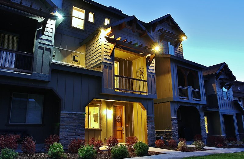 Park City Park's Edge building exterior, front entry, private patio and deck - Park City Park's Edge - Heber City - rentals