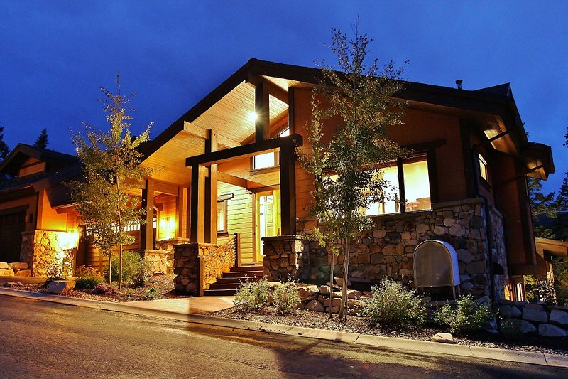 Front exterior view with 2-car garage and ski slope views - Lookout #24 - Park City - rentals