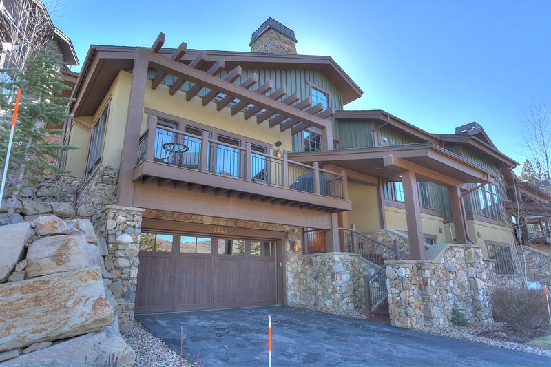 Exterior with Private 2 Car Garage - Deer Valley Lookout #32 House of Musica - Park City - rentals