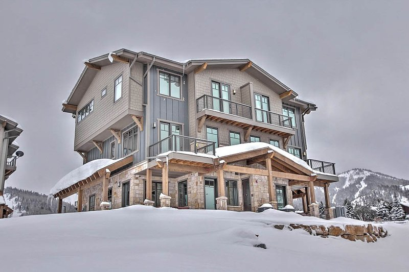 Exterior of Blackstone with 2-car garage and multiple private decks - Park City Blackstone - Park City - rentals