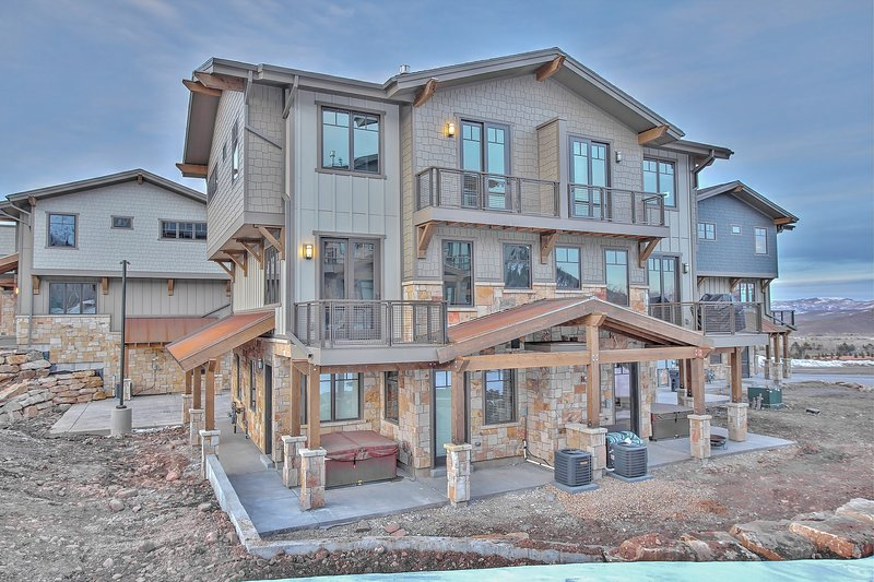 Exterior of Blackstone with 2-car garage and multiple private decks - Park City Blackstone 17 - Park City - rentals