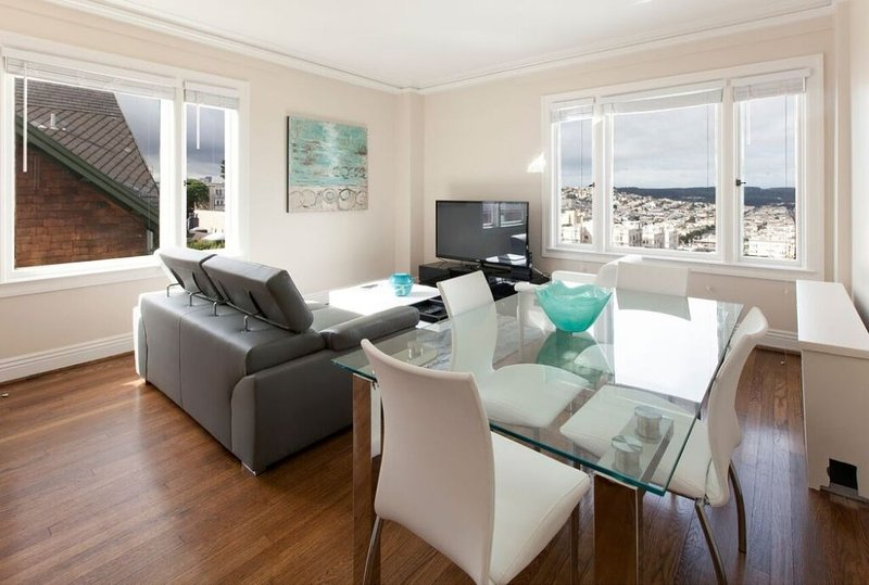 CLEAN AND WELL-APPOINTED 2 BEDROOM, 2 BATHROOM APARTMENT - Image 1 - San Francisco - rentals