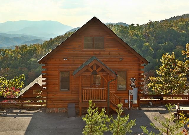 Cabin - Nonstop View, Game Loft, Media Room, Sleeps 10, Free Entertainment Admissions - Sevierville - rentals