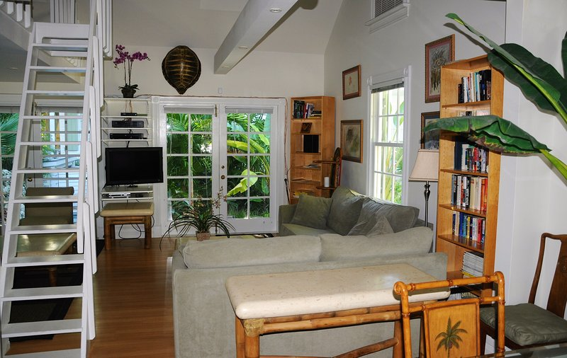 Turtle House Living Room - OLD TOWN  KEY WEST -  Historic & Charming - Turtle - Key West - rentals