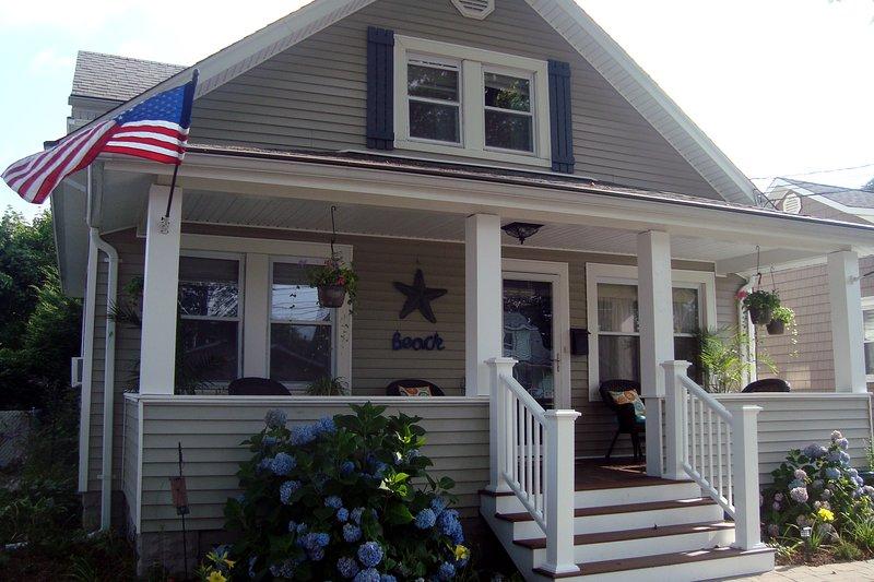 Online keyword search term: blue hydrangea beach cottage belmar - 2BR Belmar beach house w/all the comforts of home - Belmar - rentals