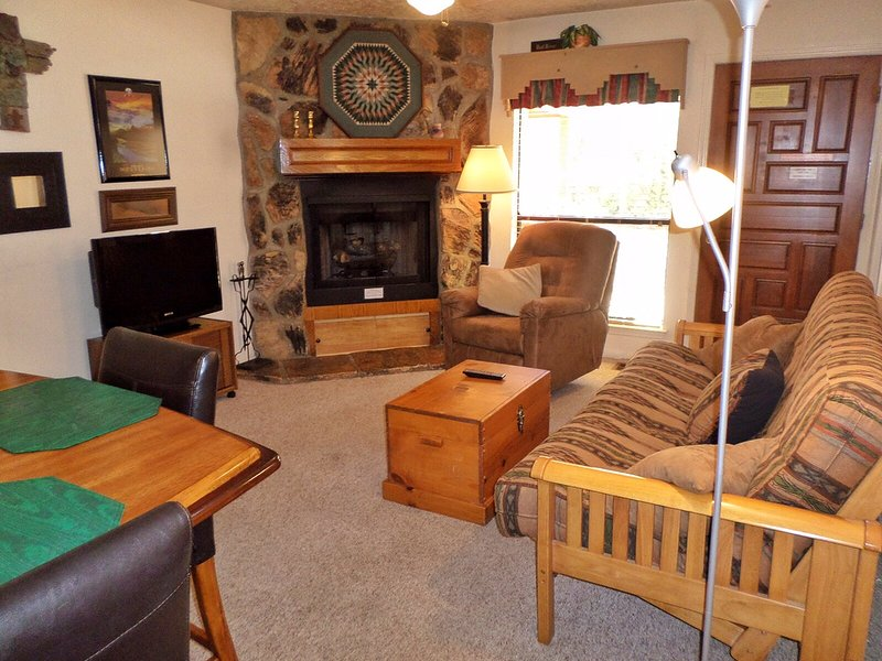 Valley Condos #107 - WiFi, Washer/Dryer, Community Hot Tubs, Playground, Creek - Image 1 - Red River - rentals