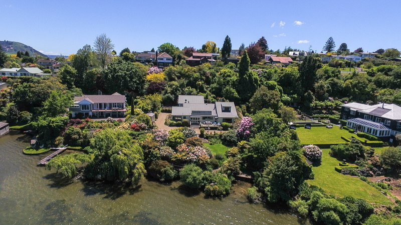 Aerial view - Spring 2016 - Lake edge luxury, The Willows, Rotorua New Zealand - Rotorua - rentals