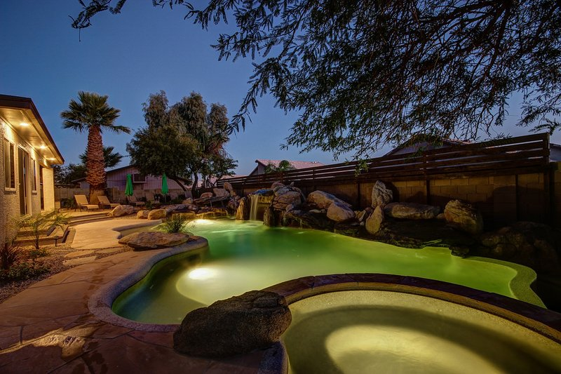Our 5 Bdrm Casa Royale with 7 waterfall pool sleeps 16 - Scottsdale Luxury Stay - 16 Vacation Homes from  195/Night- Pools/Spas/Fire - Scottsdale - rentals