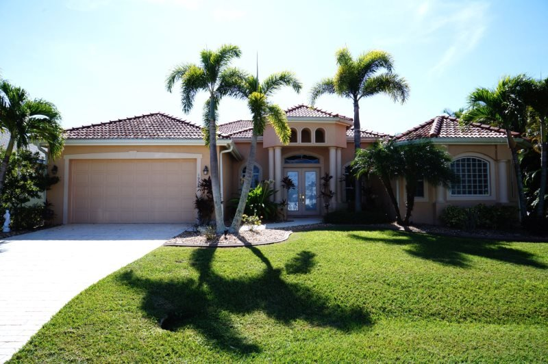Villa Blue Water - Cape Coral 4b/3ba luxury home w/electric heated pool/spa - Image 1 - Cape Coral - rentals