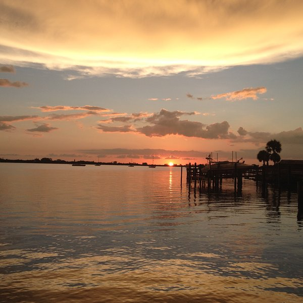 Sunset on Lemon Bay - Cottage on Lemon Bay-  a little piece of paradise - Englewood - rentals
