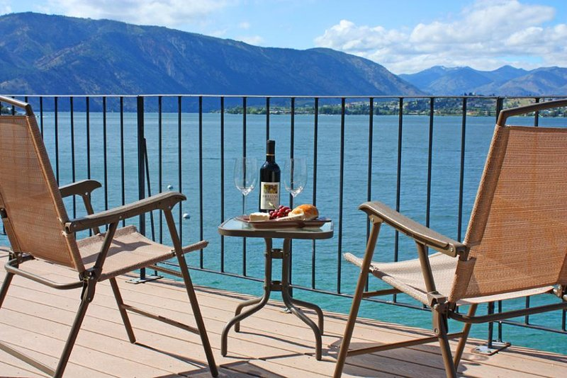 Lakeside home with private dock & views of Lake Chelan! - Image 1 - Chelan - rentals