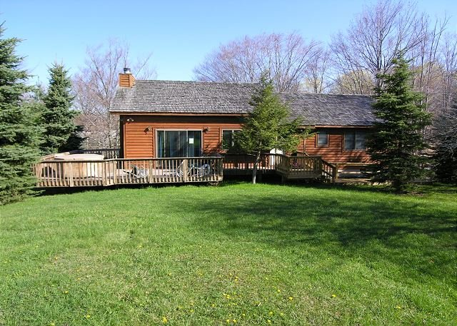 Front - Winterberry Lodge in Canaan Valley, WV Davis WV is built for year round fun - Davis - rentals