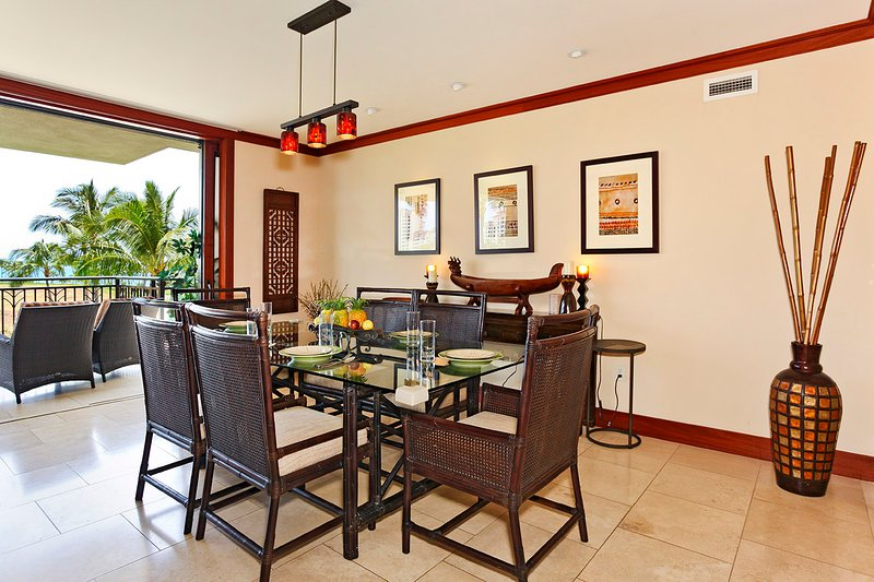 Dining Area with View - Beach Villas BT-301 - Kapolei - rentals