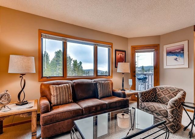 Woods Manor Living Area Breckenridge Lodging Vacation Rental - Woods Manor 301A Condo Breckenridge Colorado Vacation Rental - Breckenridge - rentals