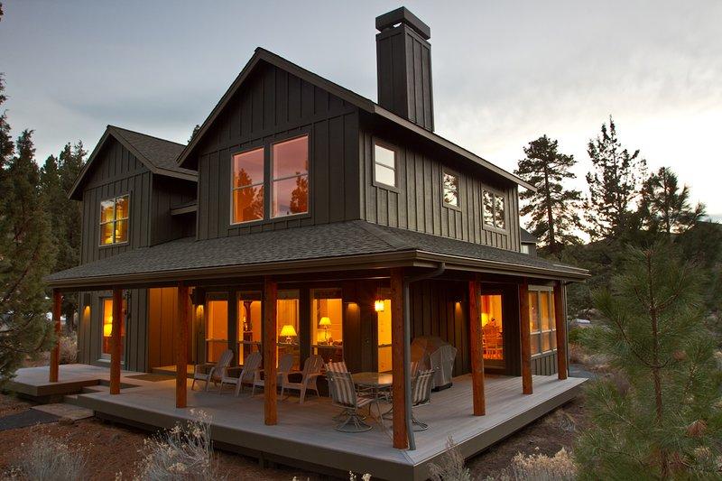 Enjoy the best of Bend with a vacation at Big Boulder. - Big Boulder - Bend - rentals