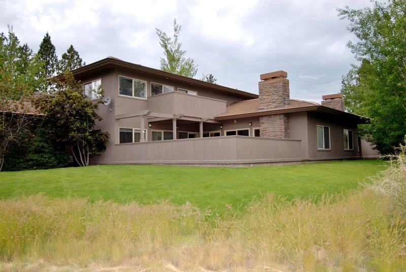 Villa 6 - Bend Vacation Rentals - Back of unit from Golf View - Villa #6 - Bend - rentals