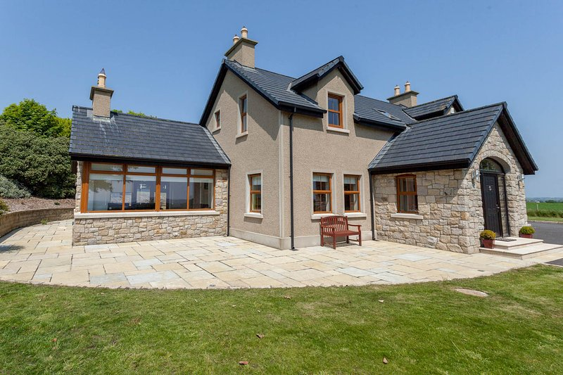 Mourne House - outstanding views of the Mournes! - Image 1 - Newcastle - rentals