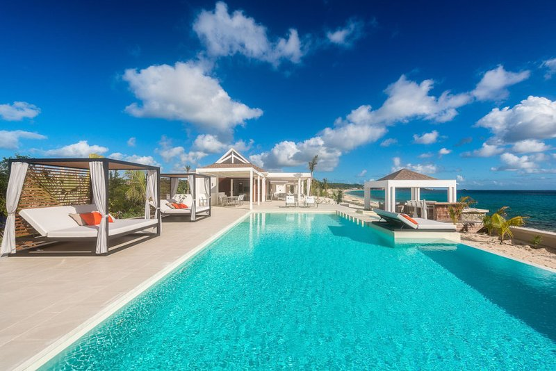 Turtle Nest, a 4BR vacation rental villa on Baie Longue, St Martin  800 480 8555 - TURTLE NEST... step down to the soft white sand of Baie Longue beach from this contemporary villa... Aahhh... - Baie Rouge - rentals