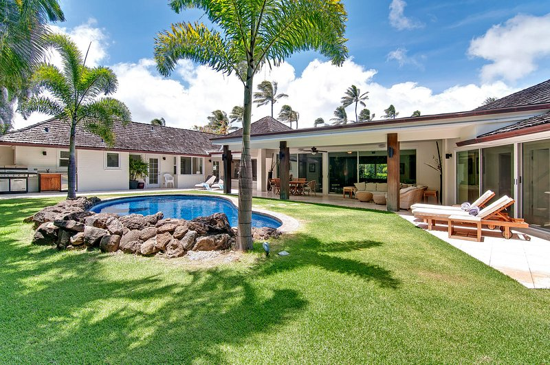 Luxurious Back Yard with Views of the Golf Course - Kahala Lani - Honolulu - rentals
