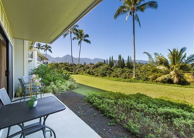 "Lanai - ALII KAI RESORT 12D, BREATHTAKING SUNSETS, MOUNTAIN VIEWS OF ""BALI HAI"" - Princeville - rentals"
