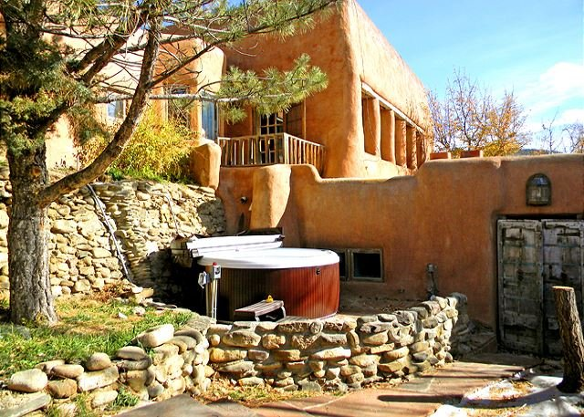 Separate private setting for shared hot tub has easy access for all guests is closest to studio  - Adobe Hacienda Studio Historic (1790) 5 miles south of Taos Plaza. - Ranchos De Taos - rentals
