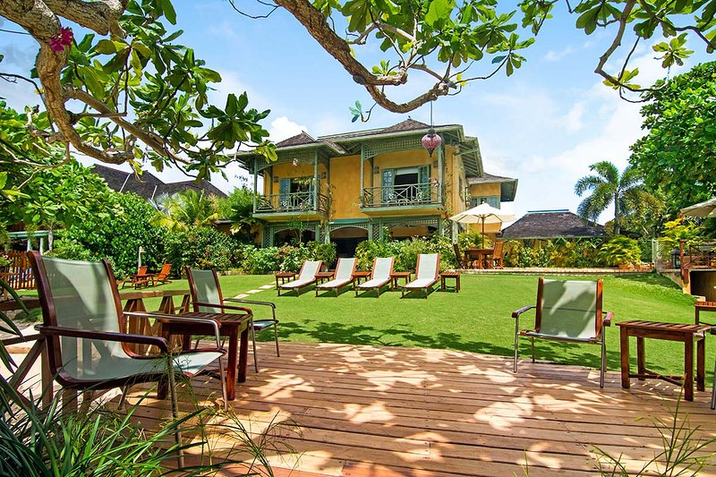Keela Wee on Discovery Bay, Sleeps 8 - Image 1 - Discovery Bay - rentals