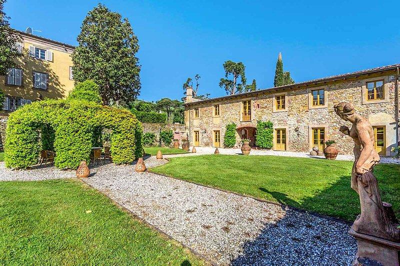 Villa Lucchese, Sleeps 22 - Image 1 - Capannori - rentals