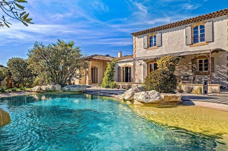 Mas de la Verdiere, Sleeps 8 - Image 1 - Saint-Remy-de-Provence - rentals