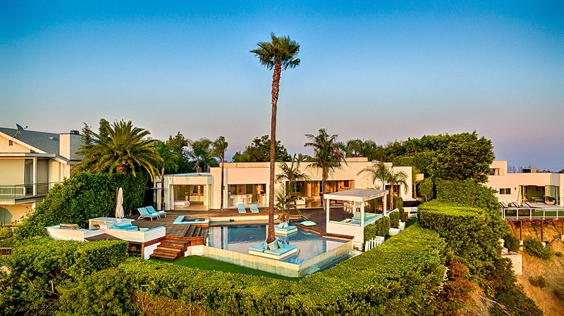 Beverly Hills Crest Estate, Sleeps 8 - Image 1 - Beverly Hills - rentals