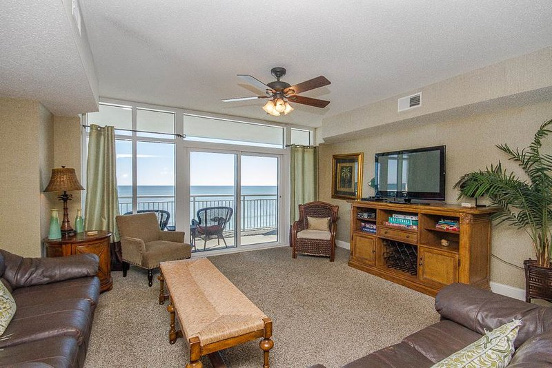Ocean Blue Resort Luxury 4 Bedroom Condo with a Pool and Terrace - Image 1 - Myrtle Beach - rentals