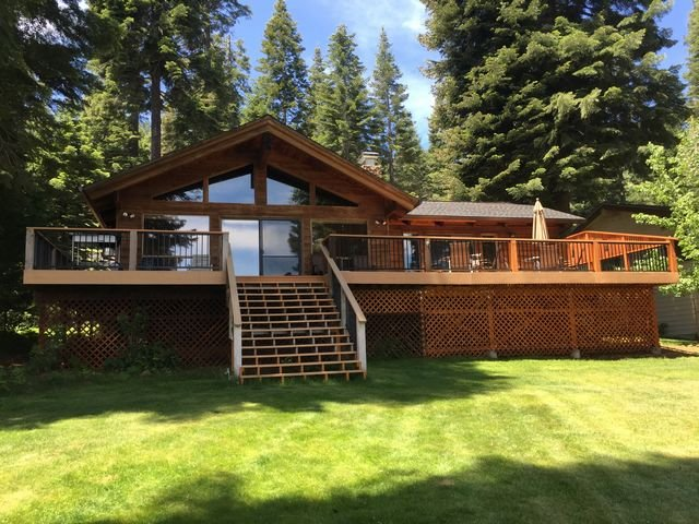 Back of House - Walker/Buck - Country Club LAKEFRONT with Back Lawn, Dock & Buoy - Lake Almanor - rentals