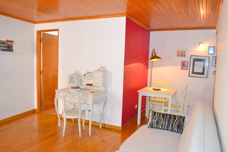 Casinha do Largo, Alfama Lisbon Apartment - Image 1 - Lisbon - rentals