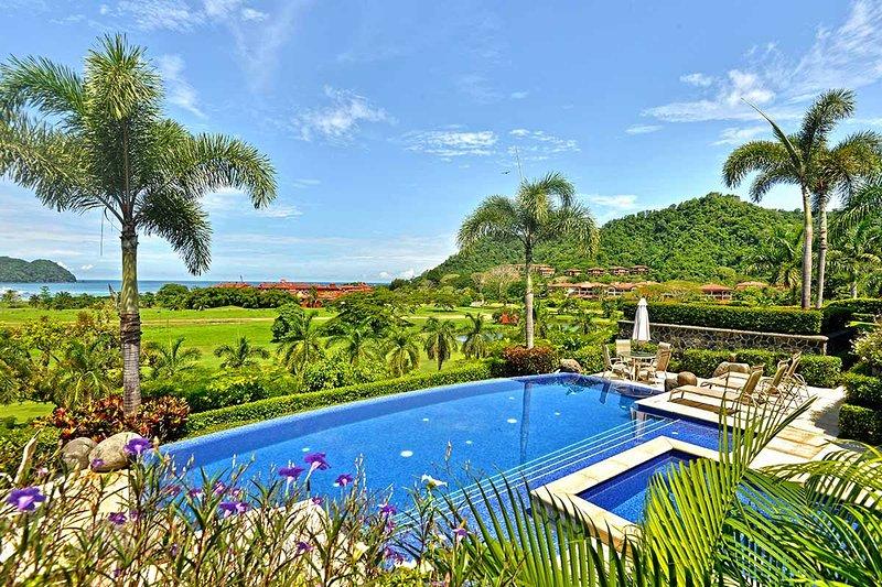 Villa Tranquila, Sleeps 10 - Image 1 - Herradura - rentals