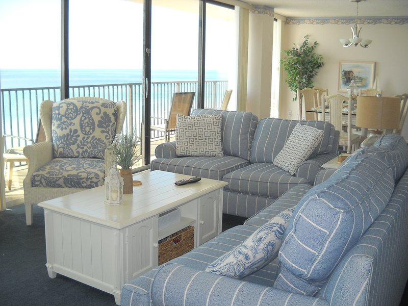 Comfortable living area with sleeper sofa, love seat & chair.   - IRRESISTIBLE! ALL GLASS!, BEACH FRONT! 1400 Sq' 2br,2b w/ free beach set Mar-Oct - Panama City Beach - rentals
