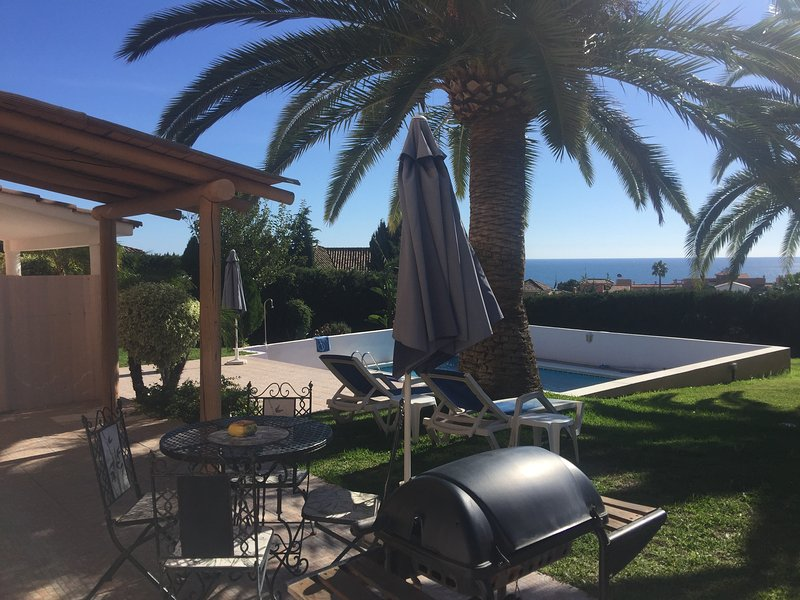 Beautiful 2 Bedroom by the pool with sea view - Image 1 - Estepona - rentals