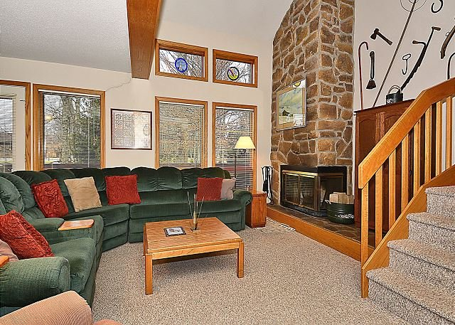 Living Room - DF040: end unit located at the center of Canaan Valley,WV area attractions - Davis - rentals