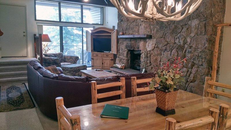 BC West 15 w/ FREE Skier Shuttle - Image 1 - Avon - rentals