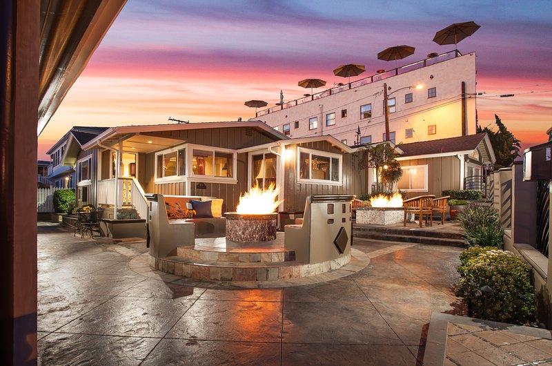 From courtyard to front door - Laguna Vista on Cress St Beach - Laguna Beach - rentals