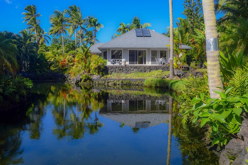 White Orchid has it's own private tropical tidal pond for your swimming, floating and soaking pleasure - White Orchid - Kapoho - rentals