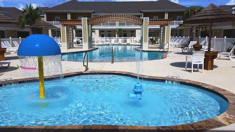 POOL! - Brand New 1b/1b for 6! Pools! Beach! Netflix! - Corpus Christi - rentals