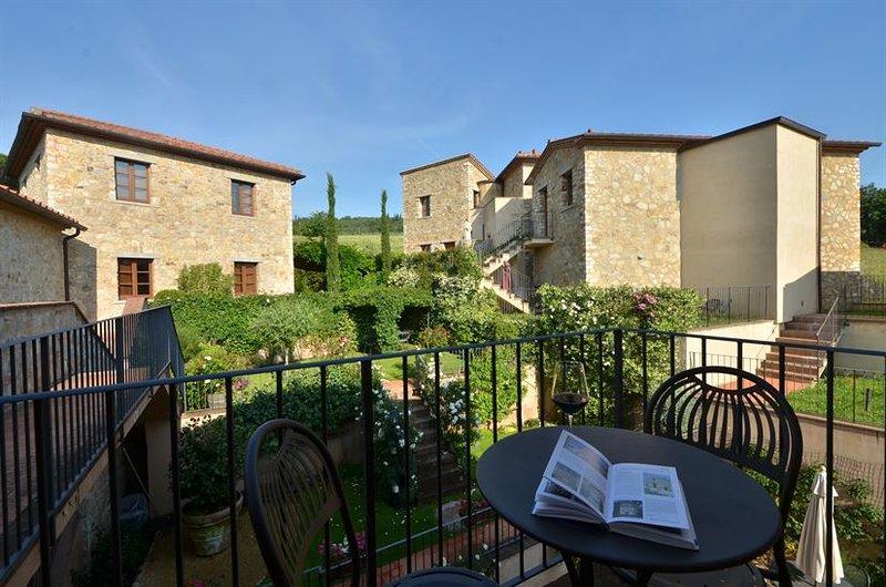 Our apartment in Borgo di Gaiole, Chianti - Image 1 - Gaiole in Chianti - rentals