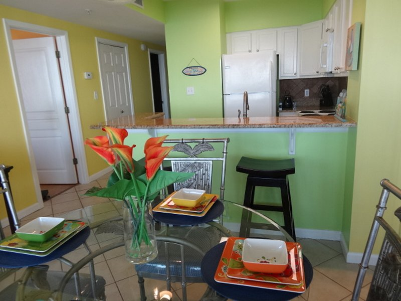 Dining area. - Orange Beach Direct Gulf Front/Convenient Loc./Open10/21-10/28 $740 + tx & cln - Orange Beach - rentals