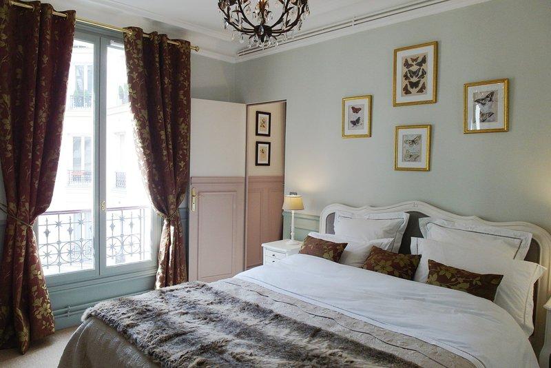 Louvre Elegant Suite - Image 1 - 1st Arrondissement Louvre - rentals
